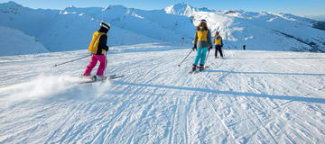 https://media.ucpa.com/image/upload/w_360,h_160,c_lfill,g_faces:auto/Destination Découverte/00001538-T-valloire-ski.jpg
